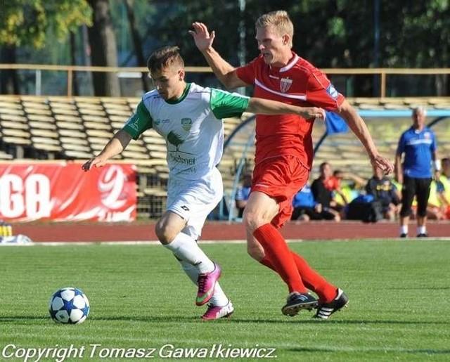 Zielonogórzanie (na biało) przegrali w sobotę czwarty mecz z rzędu, a drugi pod wodzą Michała Grzelczyka