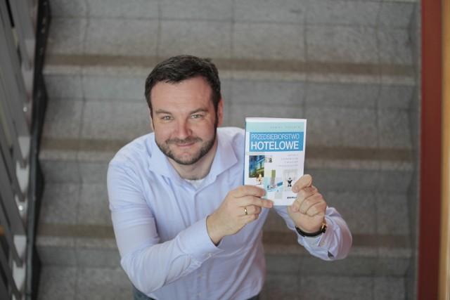 - Ta książka to efekt wieloletnich badań - mówi dr Puciato.