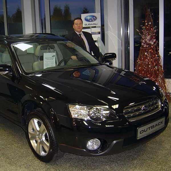 Wiktor Kotowicz z rzeszowskiego salonu Subaru: - Cena detaliczna samochodu jest uwarunkowana wieloma czynnikami. Począwszy od wizerunku marki w danym kraju, a skończywszy na jego polityce celno-podatkowej.