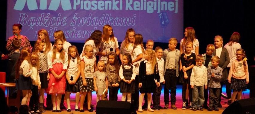Uczestnicy XIX Festiwalu Piosenki Religijnej w Prztocznej.