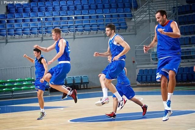 Koszykarze Anwilu treningi urozmaicają sparingami.
