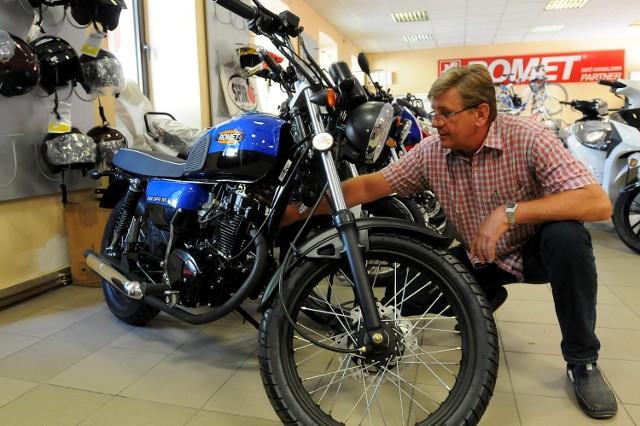Motocykle o pojemności 125 cm sześciennych rozchodzą się jak świeże bułeczki. W salonie przy ul. Lubartowskiej został jeden