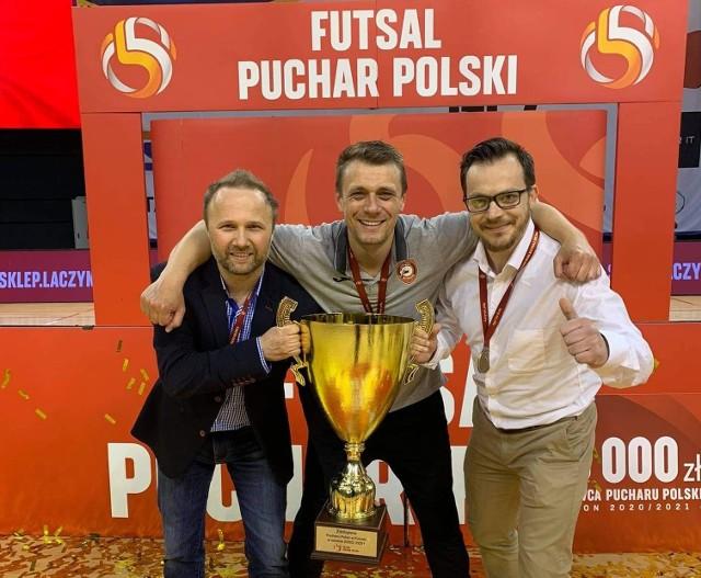 - Zawodnikom ten sukces da dużo radości. To nagroda za wszystko, co tutaj robią - mówi Łukasz Frajtag, trener Smoków.
