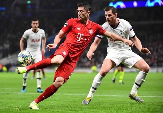 """Robert Lewandowski wyróżniony przez UEFA. """"O mój Boże!"""", """"Zakończył karierę Vertonghena"""""""
