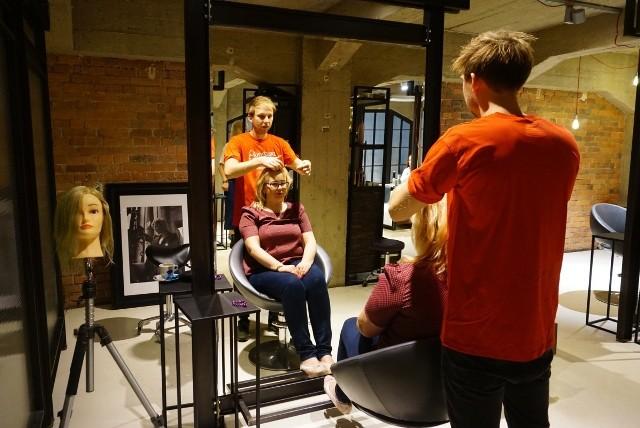 """""""Metamorfozy"""" odbyły się w czterech zakładach fryzjerskich"""