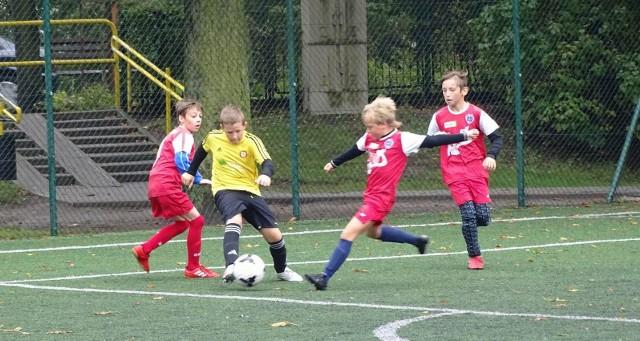 W Chełmnie odbyły się w sobotę rozgrywki Wojewódzkiej Ligi Orlików piłki nożnej. W zawodach uczestniczyły cztery drużyny:   Chełminianka Chełmno, Unia Wąbrzeźno, Gwiazda Toruń oraz Football Academy z Grudziądza. Młodzi piłkarze rywalizowali na kompleksie orlika przy al. 3 Maja w Chełmnie.