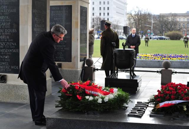 75. rocznica zbrodni katyńskiej. Oficjalne uroczystości na pl. Piłsudskiego w Warszawie