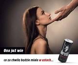 Skandaliczna, seksistowska reklama napoju słodzonego z seksem oralnym w tle. Stowarzyszenie Twoja Sprawa składa pozew w sądzie