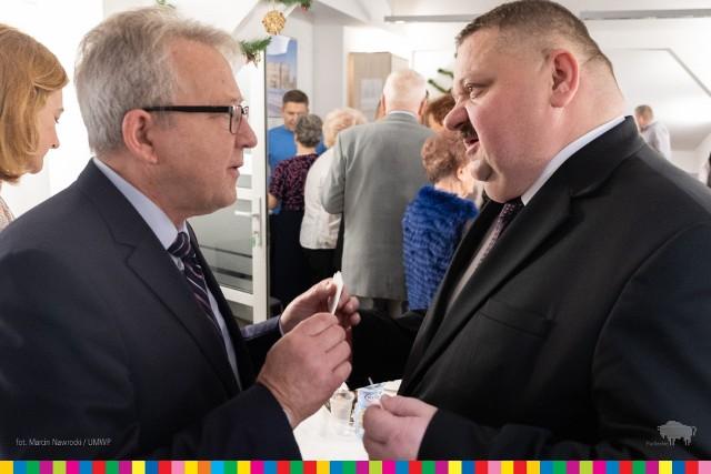 Kilka pokoleń rodzin związanych z Sybirakami spotkało się na noworocznym spotkaniu opłatkowym, którego organizatorem było stowarzyszenie Wspólnota Wnuków Sybiraków z Białegostoku. We wspólnym świętowaniu uczestniczył Wicemarszałek Województwa Podlaskiego Stanisław Derehajło.