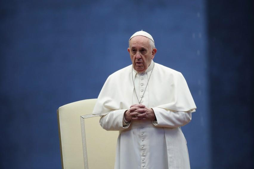 Papież Franciszek: Pandemia niestety dramatycznie zwiększyła...