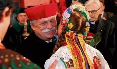 Prof. Franciszek Ziejka otrzymał tytuł profesora honorowego podczas uroczystości w auli Collegium Maius UJ Fot. Andrzej Banaś