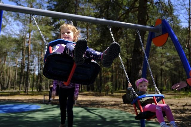 Z szacunków wynika, że w 2022 r. ze wsparcia będzie mogło skorzystać ok. 600 tys. dzieci.