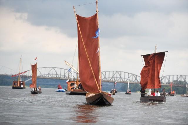 Raz w roku Wisła w okolicach Torunia znów odżywa i staje się pełna statków. Tak wyglądała podczas festiwalu w 2018 roku.