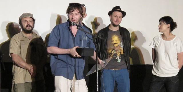 """Dwie nagrody dostał Filip Rudnicki. Jego film """"Nędza"""" uznano za najlepszą fabułę, a swój laur temu obrazowi przyznała też festiwalowa publiczność."""