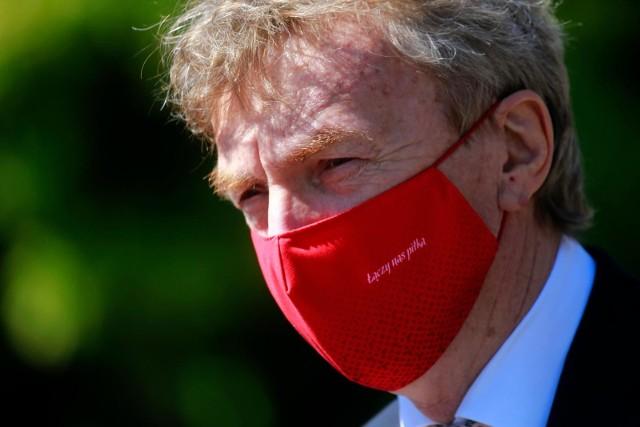 Zbigniew Boniek poinformował za pośrednictwem mediów społecznościowych, że jest zakażony koronawirusem.