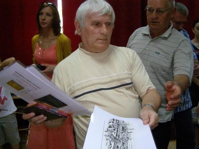 Jak zawsze Albin Tomalak przygotował dla uczestników akcji kilka drobnych gadżetów