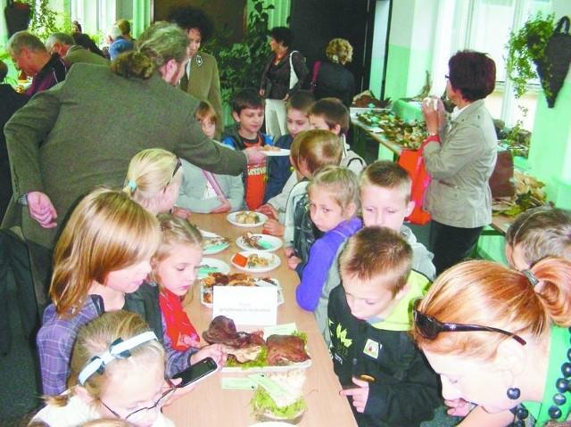 Podczas wystawy grzybów organizowano też zajęcia edukacyjne dla uczniów