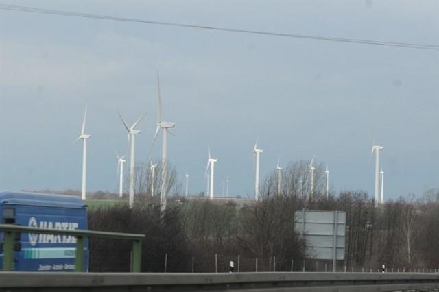 """Wzorem dla """"wiatraków"""" w Ostrzycach są podobne inwestycje działające już w Niemczech"""