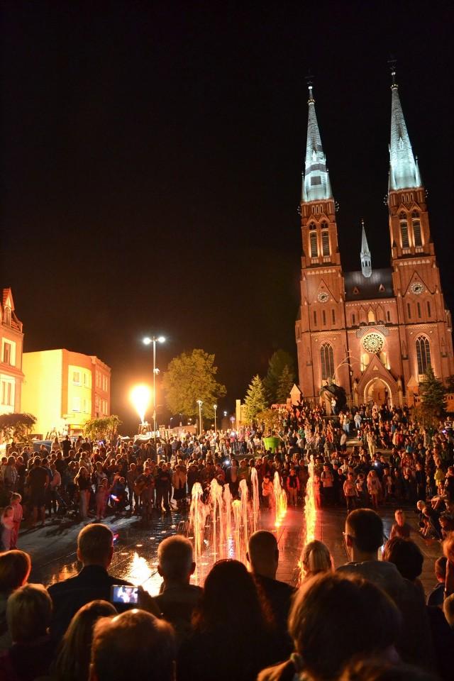 Fiesta balonowa w Rybniku: Nocny pokaz pod Bazyliką