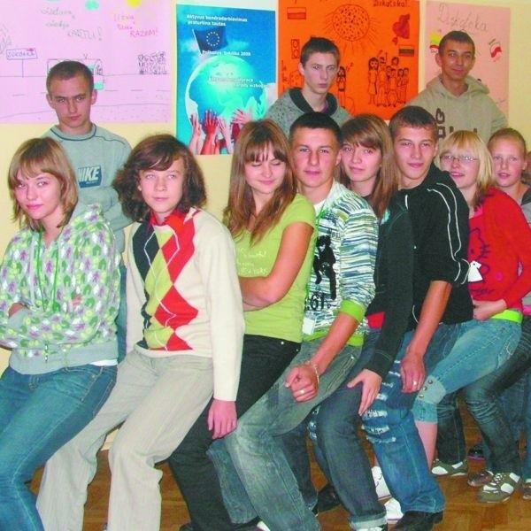 """W projekcie """"Aktywna współpraca narody wzbogaca"""" wzięło udział 30 uczniów."""