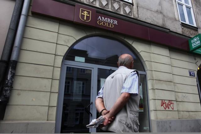 Maciej Ś. m.in. obiecywał poszkodowanym w aferze Amber Gold, że odzyska ich pieniądze