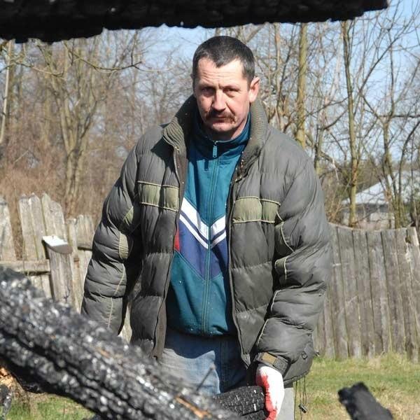 Wiesław Lesiak, komendant OSP w Wielkich Oczach. - Piotr L. zostawił po sobie zgliszcza Nie ma dla niego miejsca w naszych szeregach.
