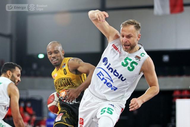 Koszykarze Enei Zastalu BC Zielona Góra w finale play off Energa Basket Ligi przegrywają 1:2 ze Stal Ostrów Wlkp.