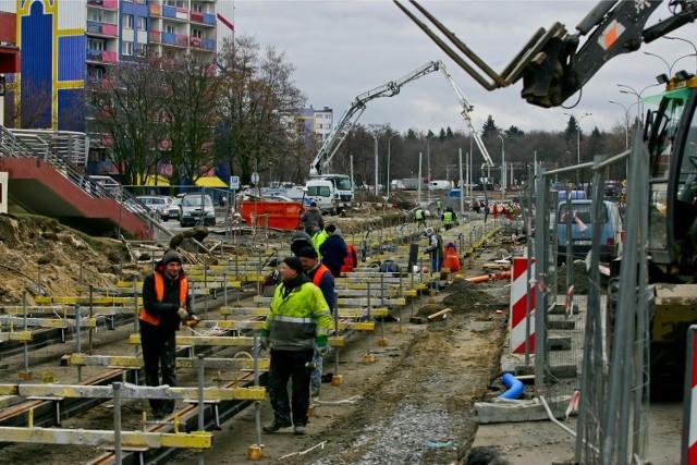 Wrocław, budowa torowiska tramwajowego - zdjęcie ilustracyjne