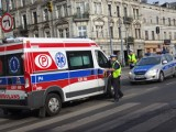 Wypadek na ul. Zachodniej. Pijana kobieta potrącona przez samochód na pasach