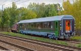 Wagon dla wojska wyprodukowano w Poznaniu. Na razie jest jeden, będzie osiem! Miłośnikowi kolei udało się go już sfotografować