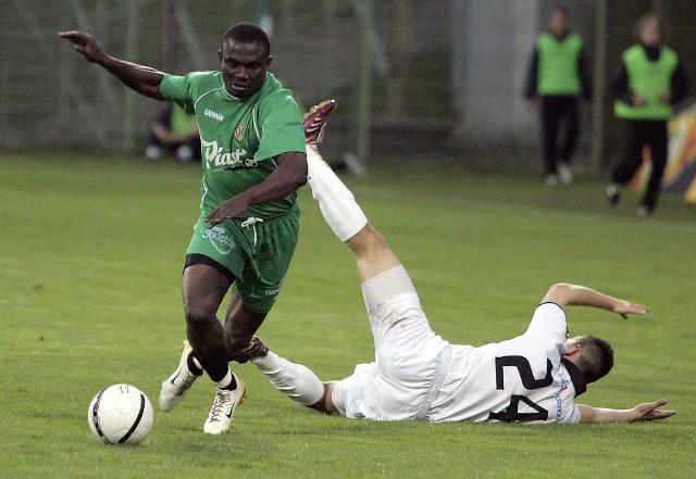 Kiedy ostatni raz Śląsk mierzył się z Miedzią w lidze, w barwach WKS-u grał jeszcze m.in. Nigeryjczyk Benjamin Imech (z lewej)