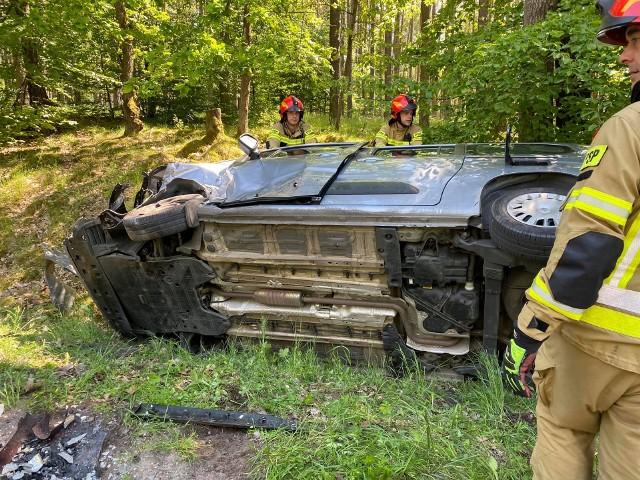 Na odcinku drogi między Złocieńcem a Cieszynem doszło do zderzenia dwóch pojazdów.