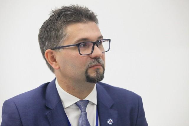 Profesor Maciej Banach złożył dymisję ze stanowiska dyrektora Instytutu Centrum Zdrowia Matki Polki w Łodzi. Minister zdrowia ją przyjął.