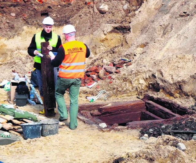 W trakcie prac każda część placu kardynała Wyszyńskiego zostanie rozkopana do głębokości 2,5 metra