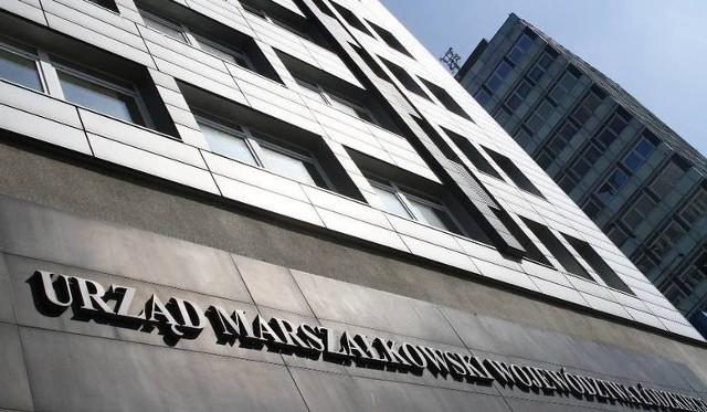 We wtorek sesja sejmiku, na której odbędzie się głosowanie nad absolutorium dla kierowanego przez marszałka Grzegorza Schreibera (PiS) zarządu województwa i debata nad raportem o stanie województwa łódzkiego w 2020 r.
