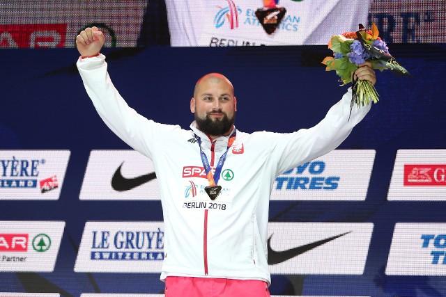 W środę Michał Haratyk i Konrad Bukowiecki odebrali złoty i srebrny medal mistrzostw Europy w Lekkoatletyce. Ceremonia odbyła się nie na Stadionie Olimpijskim, ale o godz. 23 w centrum miasta w specjalnej strefie kibica.