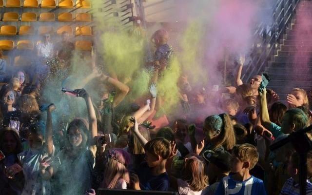 Tak było podczas kolorowego zakończenia wakacji w Pińczowie.