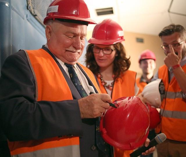 Wizyta Lecha Wałęsy na budowie Europejskiego centrum Solidarności (22.07.2014 r.)
