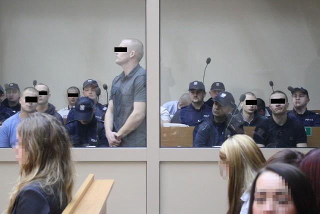 Pseudokibice Cracovii na początku nie przyznawali się do udziału w bójce. Przed sądem zmienili zdanie