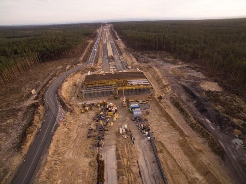 Postępy prac przy budowie drogi S3 w okolicach Legnicy