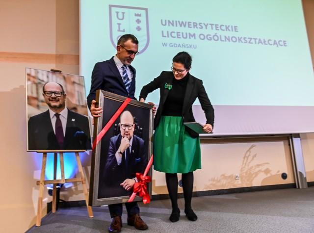 Uroczystość nadania Uniwersyteckiemu Liceum Ogólnokształcącemu imienia Pawła Adamowicza, 10.01.2020