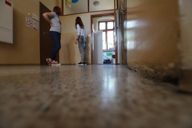 Zdecydowanie potrzebny jest remont w Domu Aniołów Stróżów w Katowicach-Załężu. Można pomóc Aniołom. Trwa internetowa zbiórka pieniędzy na remont