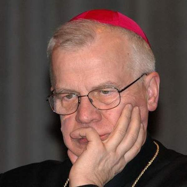 Abp. Józef Michalik urodził się w 1941 roku w Zambrowie. W 1993 r. papież Jan Paweł II ustanowił go metropolitą przemyskim.