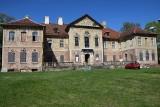 Piękny pałac w Bojadłach powoli zmienia swój wygląd. Udało nam się zobaczyć jego wnętrza! [ZDJĘCIA]