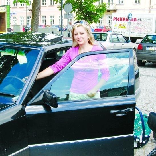 Szukanie miejsca na parkingu zajmuje często więcej czasu niż załatwienie sprawy w urzędzie - mówi Wioletta Góral z Suwałk