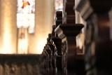 Mężczyzna z siekierą na porannej mszy w kościele w Rypinie. Zniszczył ołtarz