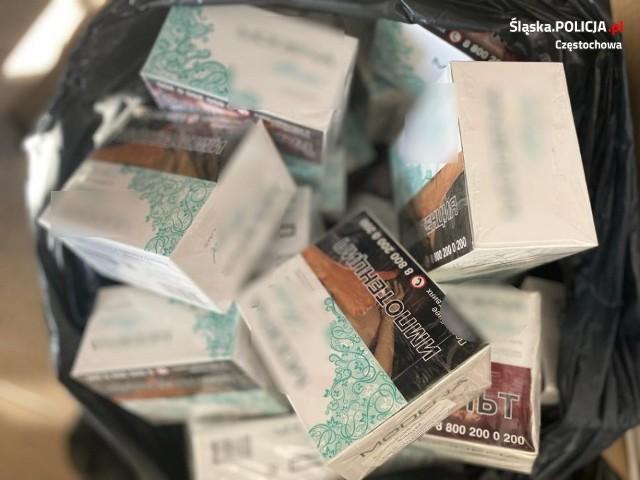 Częstochowska policja przejęła nielegalny tytoń, papierosy i alkoholZobacz kolejne zdjęcia. Przesuwaj zdjęcia w prawo - naciśnij strzałkę lub przycisk NASTĘPNE