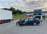 Potworny wypadek na autostradzie A1 w Wieszowie. Kierowca zginął. Nagranie tragedii jest przerażające