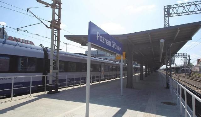 Remont peronów na stacjach Poznań Wola i Kiekrz jest jednym z elementów modernizacji trasy kolejowej z Poznania do Szczecina, która rozpoczęła się kilka miesięcy temu. Do tej pory otwarto wyremontowany peron we Wronkach.