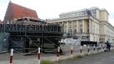 Na tyłach Opery Wrocławskiej powstaje widownia na 3 tys. miejsc